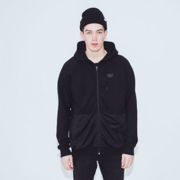 Mojo-Snowboarding-Hamburg-Limited-Lifestyle-Urban-Streetwear-Made-in-Europe-Fairtrade-Selected-2017-Zipper-Jacket-Black